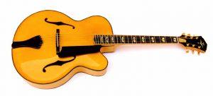 Guitarra acústica estilo archtop
