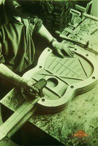 Molde de guitarra. Foto de archivo (1970). Autor constructor de guitarras George Bowden