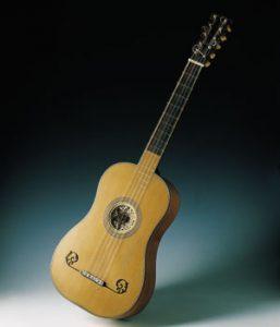 Foto guitarra barroca.