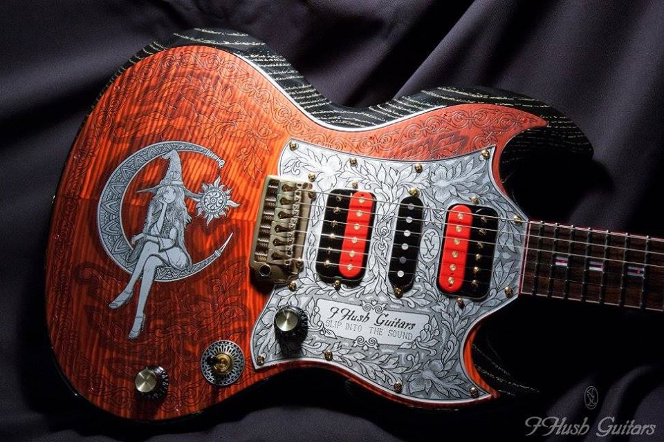 Guitarra customizada I Hush