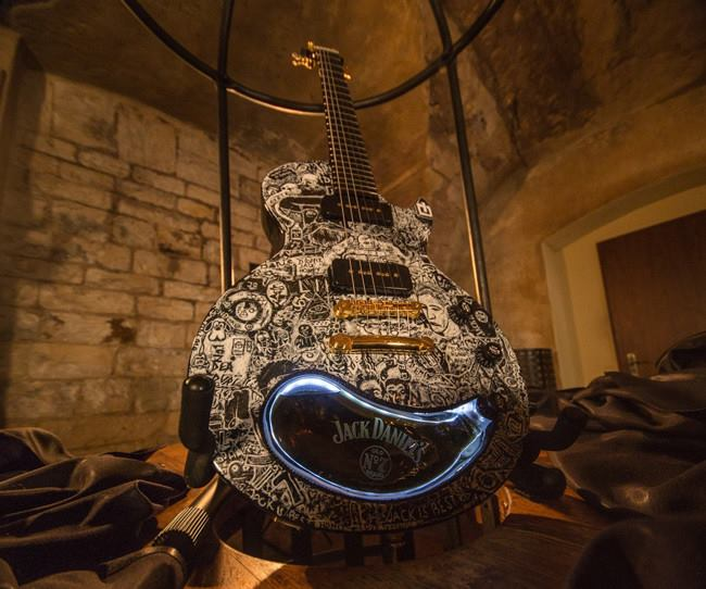 guitarra Jack Daniels customizada
