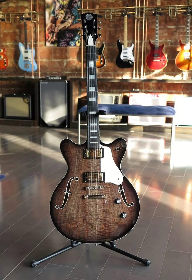 guitarra veritas